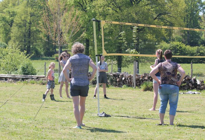 volley camping